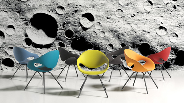 some more chairs on the moon