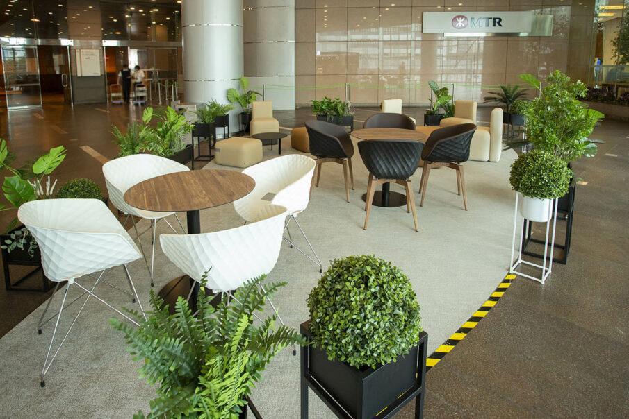 Uni-Ka   MTR Lobby Hong Kong